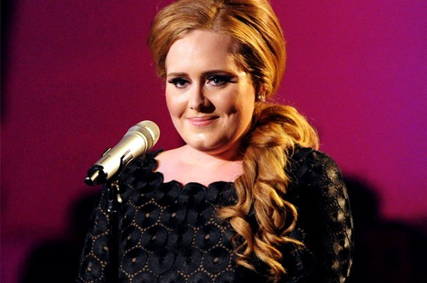 """HERITAGE: Adele Performs Her Love Letter To London """"Hometown Glory"""" (2008)"""