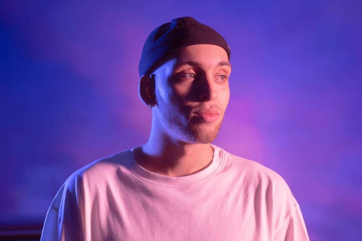 """Aeris Roves Shows Acoustic R&B At Its Finest On Painfully Relatable """"Don't Ask"""""""
