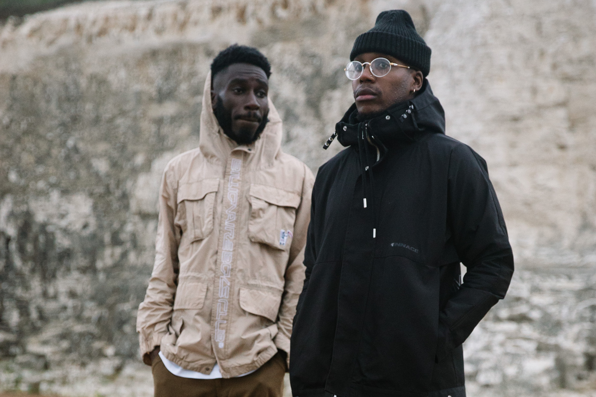 """Che Lingo And Kojey Radical Unite For 'Self-Prescribed Therapy Session' On """"Dark Days"""""""