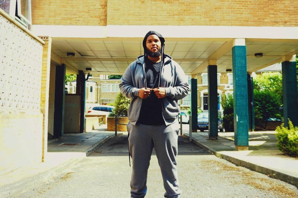 Ezro Reveals Versatile Seven-Track Opus 'Young Ez On Nimbus'