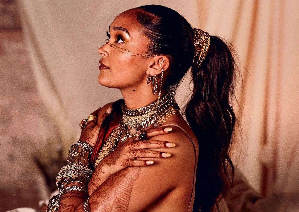 """Joy Crookes Delivers A Provocative Message About Online Activism On """"Feet Don't Fail Me Now"""""""