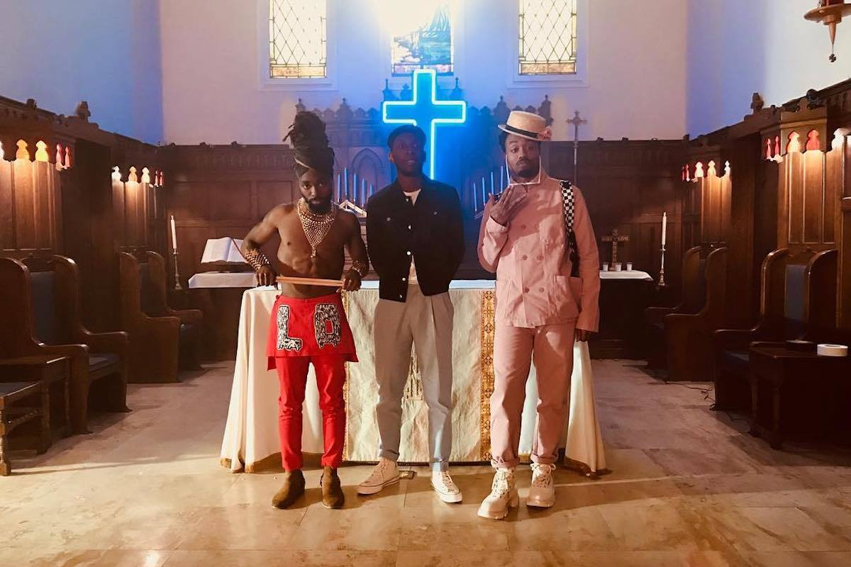 "Samm Henshaw Takes Us To ""Church"" In EarthGang-Assisted Video"