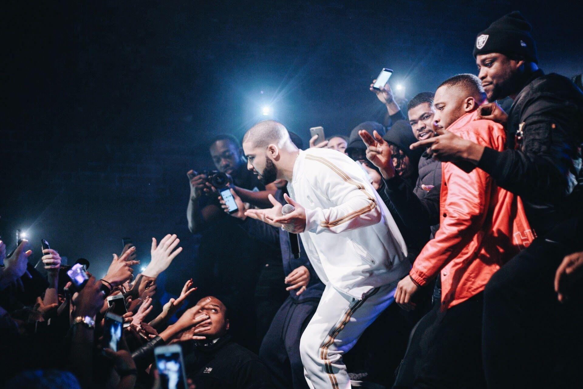 HERITAGE: Smoke Boys Bring Out Drake And Skepta During Their Epic Headline Show (2016)