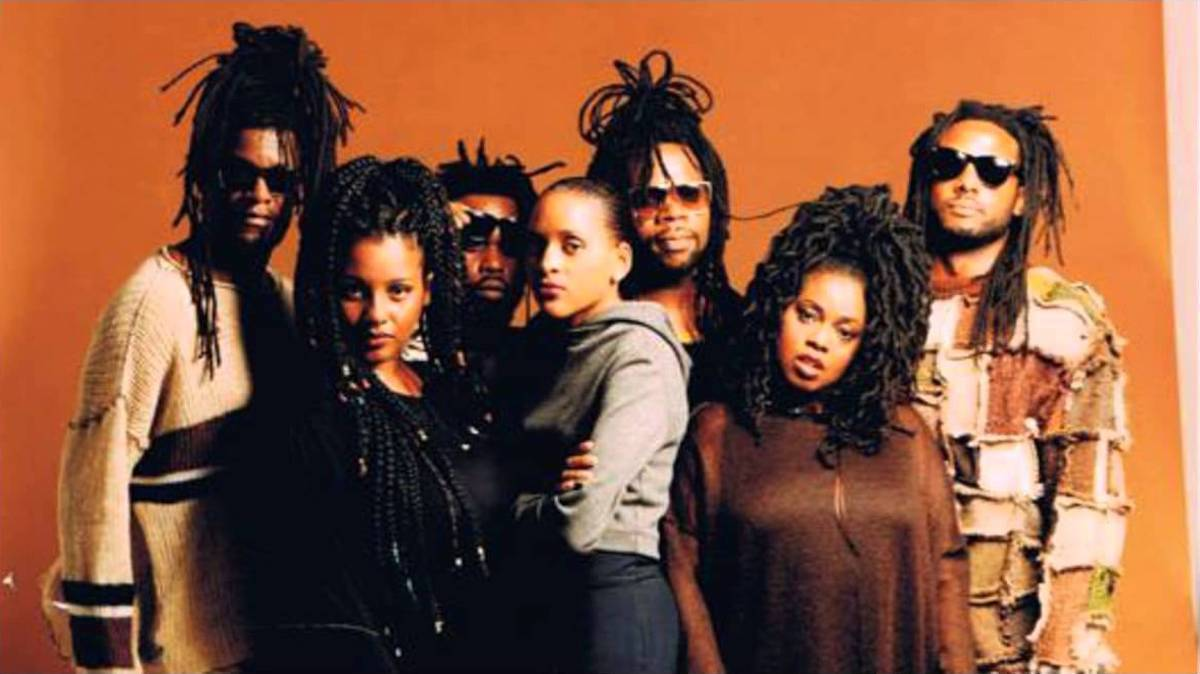 "HERITAGE: Soul II Soul Perform Their Classic ""Back To Life"" (1990)"