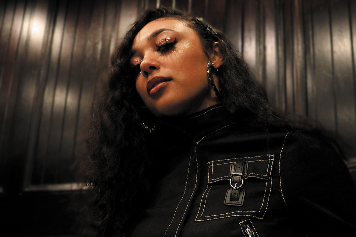 """Newcomer Tiana Blake Shows Off Her Refined R&B Sound On """"Monday"""""""